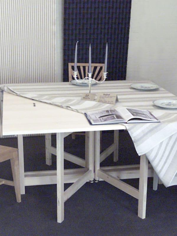 Klassiska möbler bord